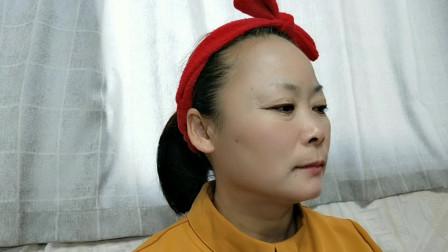 50岁老妈化妆前后对比照,不画不知道,画完才发