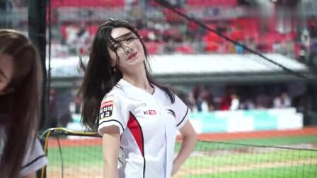 韩国啦啦队美女赛场模仿izone经典舞蹈, 美女这气