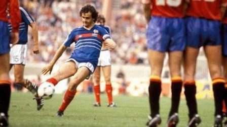 84年欧洲杯,普拉蒂尼9粒进球全纪录,助法国登