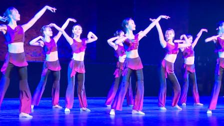 敦煌舞舞韵基本步伐训练,随着音乐节奏时而轻