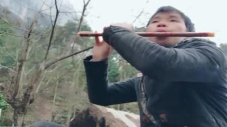四川农村被遗落的才子,一根普通的笛子,就能