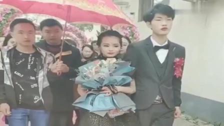 这衣服,这音乐,广东这对夫妻确认是来办婚礼