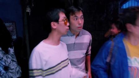 三个男子来到泰国酒吧,美女们个个青春靓丽,十分养眼!
