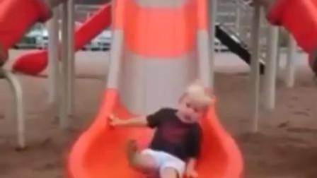 【搞笑视频】小孩玩玩具大型翻车现场