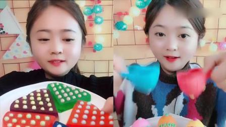 美女吃播:彩色小果冻,小时候的最爱