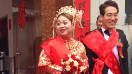 陕西农村婚礼:婚礼请的司仪帅哥太幽默了