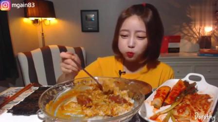 韩国大胃王美女今天只吃米饭和泡菜,这么普通