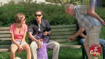 国外恶搞:把婚戒送给流浪汉,老公很无语--经典恶搞系列