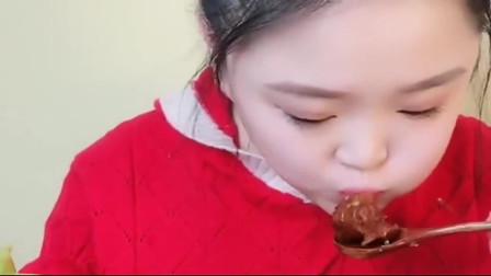 美食*oom:红油油的八爪鱼,美女直接爆头,吃的