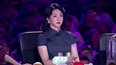 中国达人秀:情侣钢管舞空中行走太唯美,柔和中还带着力量!