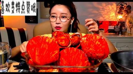 韩国美女吃海鲜,这个颜色也太喜庆了吧
