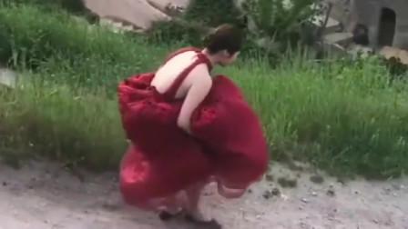 新娘出嫁当天竟然发生了这 样的糗事,这波操作