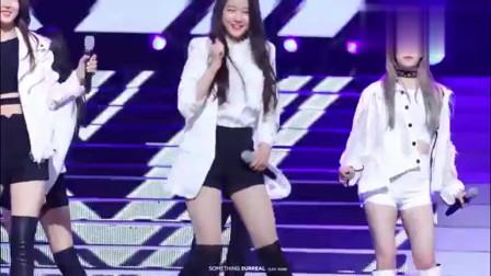 韩国女团饭拍,这位美女舞台表现力太棒了,而且颜值也很高!