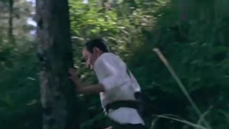 当初学了钢管舞没想到还能拿来躲子弹!