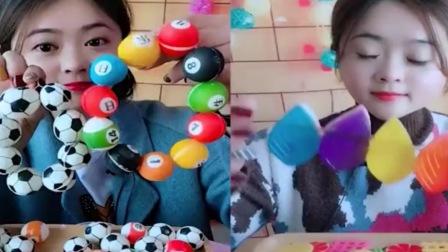 小美女试吃:球球巧克力,树叶果冻,创意手指