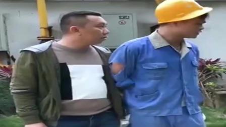 广西老表搞笑视频:猫哥个两个王炸给湿水泡防身,这智商我没话说