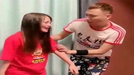 广西老表搞笑视频:老婆发现自己瘦了很难过,老表一问结果尴尬了