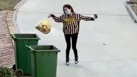自从封城后,广东美女去丢个垃圾都好像到了酒