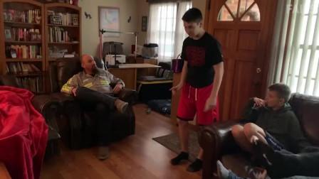 搞笑视频:添狗来了,这姿势是多少的销魂