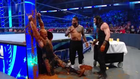 WWE:罗门伦斯报仇雪恨,将一桶狗粮倒扣在独狼科尔宾的头上