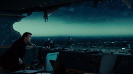 美女和史密斯空中战斗,直接毁掉高楼大厦,里