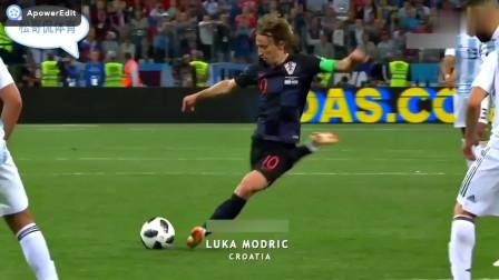 足球经典集锦:重炮轰门,时速超过200KM,守门员直接不敢守门。