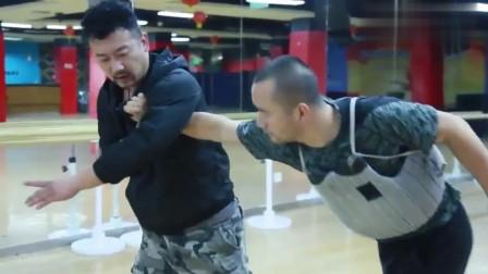 传统武术回归实战!八极拳仇宝龙现代技击实战训练,为比赛做准备