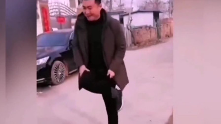 搞笑视频集锦:兄弟你太逗了!