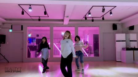 韩国好看的小姐姐跳街舞就是厉害,秒的国内主