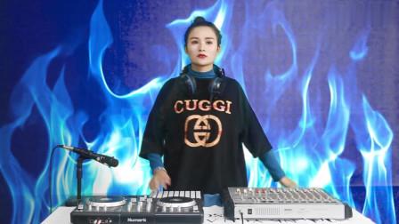 DJ版,美女打碟超喜欢,忘记自我的燃烧