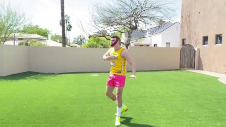 国外小伙恶搞N*A球星,模拟詹姆斯踢足球的样子