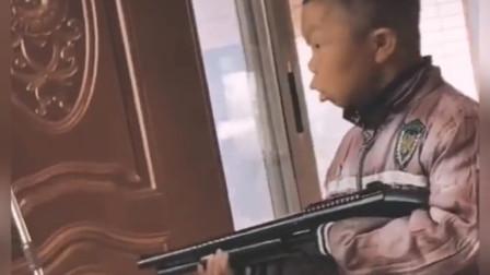 搞笑视频:是你小夫飘了,还是我胖虎握不住刀了?