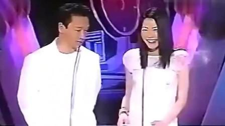 张国荣幽默起来真的太风趣了,就连同台的王菲都有点招架不住!