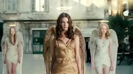 奇葩创意广告,众美女天使为一个电动车男生自