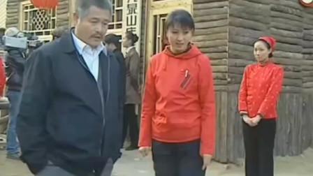 刘老根 龙泉山庄开始走向正轨 游客一拨拨的来 就连机位都摆上