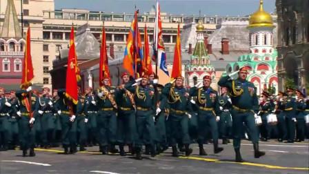 2020年俄罗斯红场阅兵 配上歌曲动荡的青春 群情激荡