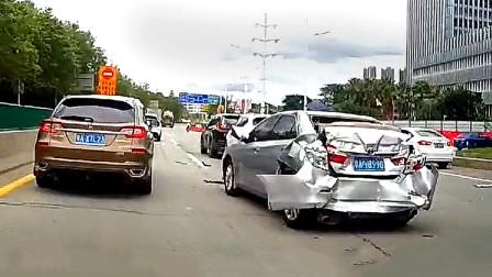 交通事故合集 奇葩的新手上路 不会判断车距太尴尬了