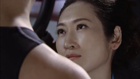 女富婆健身房锻炼身体 谁料竟看上了健身教练 直接一波神操作
