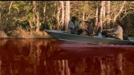 数千米的河水突然变红 专家来调查 竟发现里面都是人血