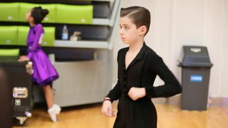 俄罗斯的小美女帅哥在天津国际标准舞大赛上 摄
