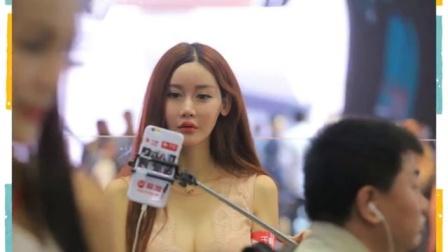 网络女主播现身车展 齐穿超短裙秀美腿 160426