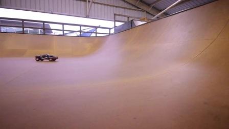 极限滑板场地小试身手