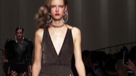 ELISABETTA_FRANCHI_-_Spring_Summer_2017_Fashion_Show