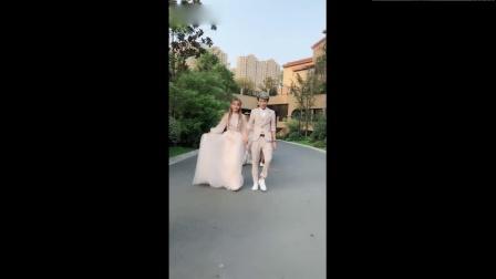 十位新娘和新郎跳热舞《隔壁泰山》太强势了