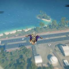 小林驾驶空中吊机恶搞路人飞机,没想到他技术