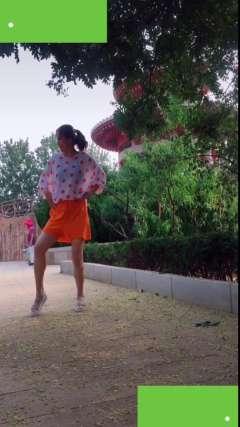抖音里《不协调舞》松原田晶老师舞蹈视频