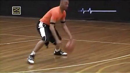 篮球过人上篮技巧教学视频