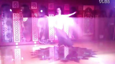 绿洲户外2011年会现场会员互动实况-俄罗斯舞者维多利亚