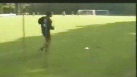 米兰足球训练营 足球技术之防守 教程! 经典