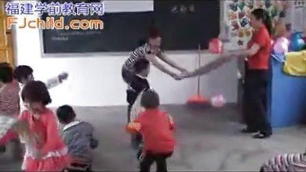 武平县中山中心幼儿园中班体育活动《好玩的气球》
